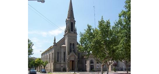 Coro gregoriano en la parroquia Nuestra Señora del Carmen